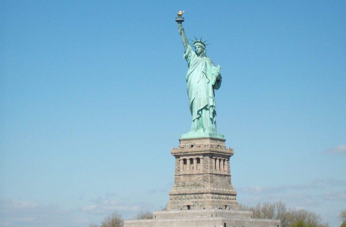 Statue E1557840134357